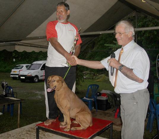 Marcel Suhas et Bijou - Champion de Polynésie 2013 d'Obéissance